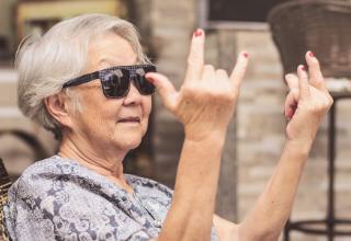 קצב ההזדקנות של בני 100+ מואט ומתבטא כמו זה של בני 70
