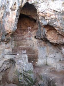 טאבון במערה